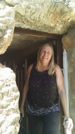 Laurie in the tomb entrance