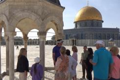 Ezer teaching on the Temple Mount