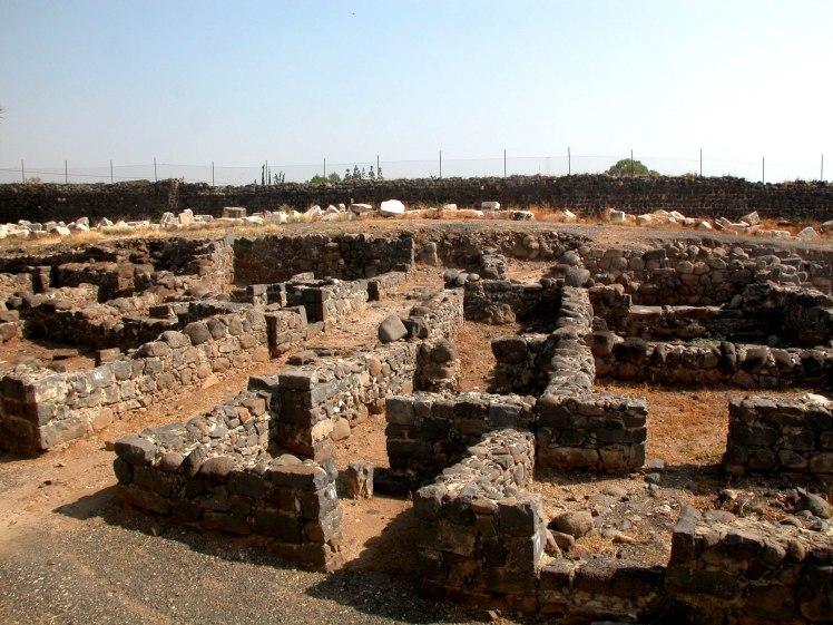 capernaum-basalt-houses-tb102602007