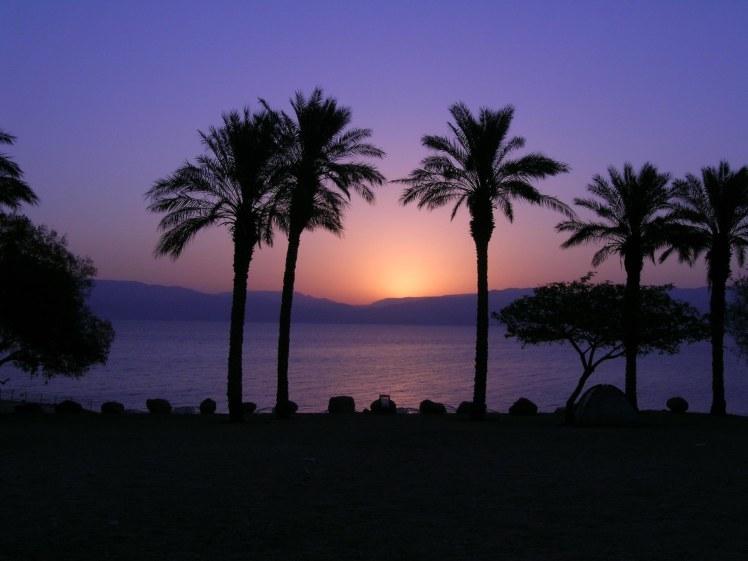 sunrise-over-dead-sea-from-en-gedi-tb100304834